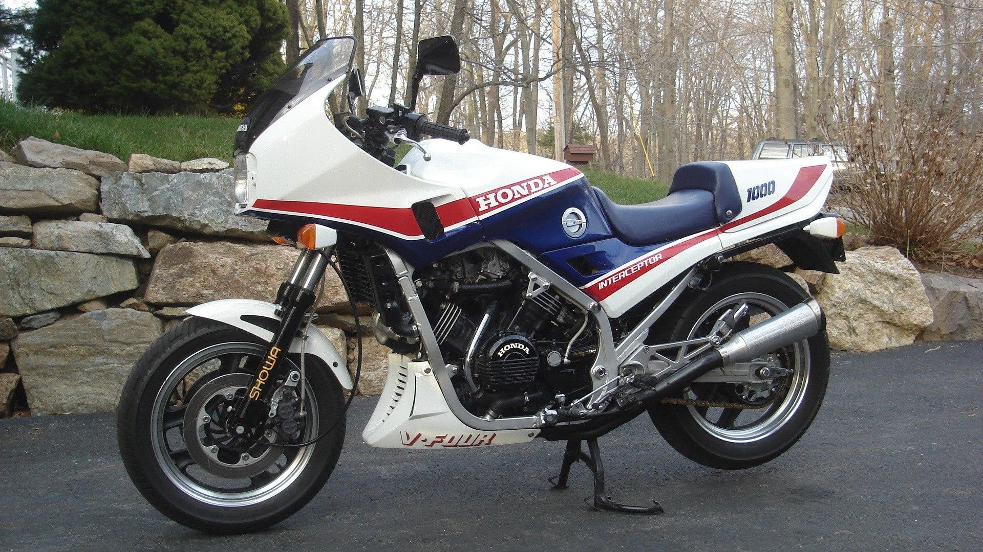 Honda VF1000 | VF1000.com